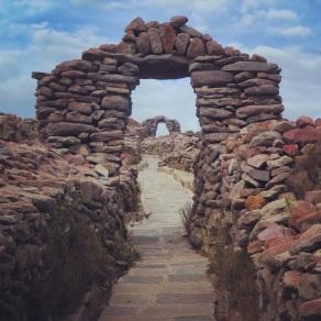 Pre-Incan arches at Pachatata, Amanatani