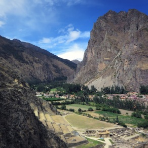 Ollantaytambo valley